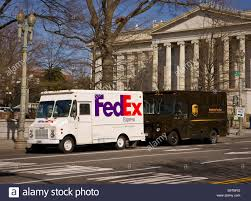 Fedex Express Truck Stock Photos & Fedex Express Truck Stock Images ...