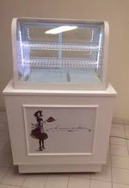 Refrigerated Island Display Case For Pastry Shops