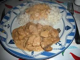 cuisiner un sauté de porc recette de sauté de porc sauce aux chignons