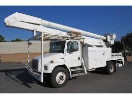 100 Forestry Bucket Trucks 2000 Freightliner FL70 60 Ft Rear Mount Boom