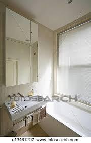groß widergespiegelt kabinett oben rechteckig weiß