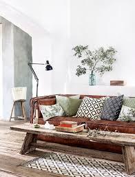 teinter un canapé en cuir comment entretenir et nettoyer un salon en cuir les tâches n ont