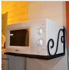 cuisine au micro ondes louis meubles fer rack cuisine micro onde plateau grille du four