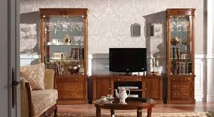 vitrinen und anrichten im italienischen stil klassische