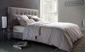 chambre avec tete de lit capitonnee une t c3 aate capitonn a9e d
