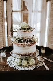 Elegant And Rustic Wedding Cake