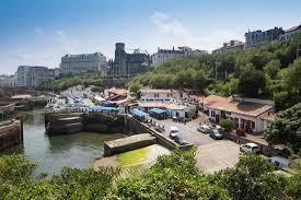 port des pecheurs biarritz le quai du port des pêcheurs de biarritz photo de port des