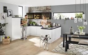 küchenblock in weiß mit glas front nolte kuechen