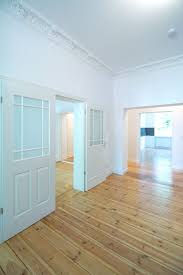 eine neue flügeltür für eine offene wohnraumgestaltung