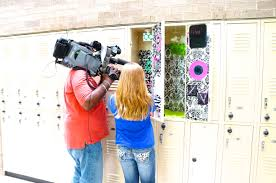 How To Decorate A School Locker For Less - MyLitter - One Deal At ... Decor Pbteen Mirror Rooms Pbteens Isabella Rose Taylor For Pbteen Summer Lbook 38 6704 997 3 Drawer Desk Gif With Pottery Barn Locker Fniture How To Decorate A School Less Mylitter One Deal At 25 Unique Girls Locker Ideas On Pinterest Girl Teen Bedding For Bedrooms Dorm Best Bedroom Door Diy Room Decore Set Ebth 20 Back To Decorating Accsories Vogue
