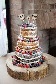 Wedding Cake Sponge Fruit Layers Log Pretty Natural Floral Barn By Johastingsphotography