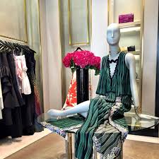 100 Five Story New York Story An Exciting Upscale Retail Experience In