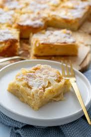 einfacher apfelkuchen vom blech saftig und mega lecker