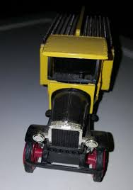 100 Toy Kenworth Trucks Vintage LEINENKUGEL BREWERY 1925 Truck Die Cast