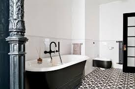 carrelage salle de bain metro carrelage salle de bain noir et blanc duo intemporel très classe