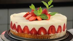 erdbeertorte sommerliche erdbeer holunder torte bayern 1