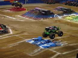 St.Louis Monster Jam SUCKED! (pics) | SVTPerformance.com