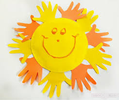 Looking For Fun And Easy Preschool Crafts To Do At Home Make A Handprint Sun