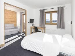 chambre 4 personnes hotel location chambre de 2 à 4 personnes les saisies espace
