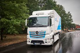 Mercedes-Benz Delivers First 10 EActros Electric Trucks ...