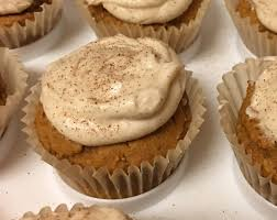 Easy Pumpkin Desserts by Easy Pumpkin Cupcakes With Cinnamon Cream Cheese Frosting