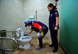 mini kameras auf damentoiletten sorgen für entsetzen