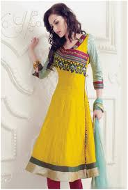 Simple Angrakha Style In Pakistani For Girls