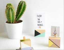 Cubicle Decoration Ideas For Engineers Day by 8 Cheap Ways To Decorate Your Desk At Work The Muse