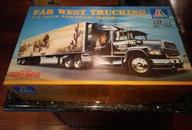 100 West Trucking Italeri Far Ford Truck WReefer Trailer Model 709