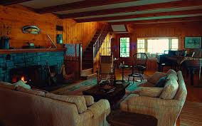 Rustic Red And Brown Living Room Qcptbw