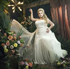Plus Size Bride To Be Shares Her Wedding Shopping Challenges And Inspires A High Fashion Photo Shoot
