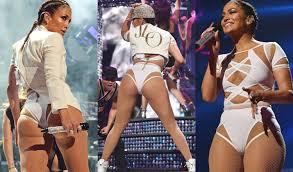 Jennifer Lopez Has Wardrobe Malfunction Stage VIDEO