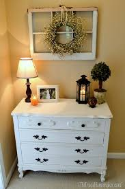 Ideas For Decorating A Bedroom Dresser by Best 25 Guest Room Decor Ideas On Pinterest Guest Bedroom Decor