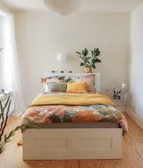 schlafzimmer in weiß streichen die passende deko so