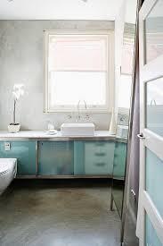 blick in minimalistisches bad auf bild kaufen 11281632