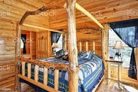 schlafzimmer in blau mit himmelbett stockfoto und mehr bilder alles hinter sich lassen