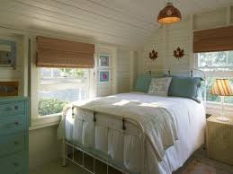 19 Cottage Style Bedroom Decorating Ideas