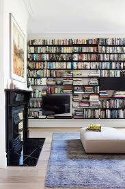 große bücherwand im wohnzimmer mit bild kaufen