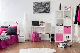 stilvolles mädchen für zimmer schlafzimmer und arbeitszimmer kombiniert