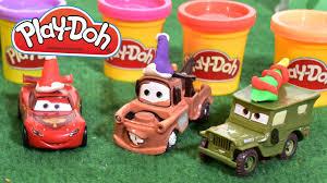cars pate a modeler play doh cars bonnets de noël avec la pâte à modeler play doh