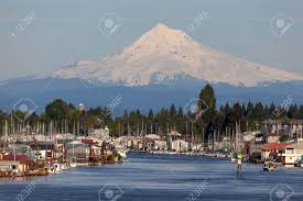100 Boat Homes Mount Hood Over Floating Homes Boat Houses Along Columbia River