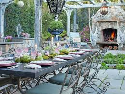 Outdoor Dining Room Design Ideas Using Raymour And Flanigan Furniture