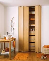 comment poser une porte de chambre installer une porte de placard battante 5 é simples