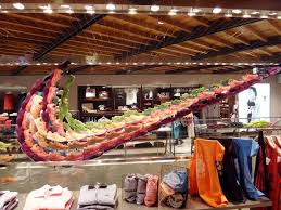 Just Retail It The Most Innovative And Disciplined Retailer On Planet Isnt Shoe StoresStore ShoesShoe DisplayDisplay IdeasNike