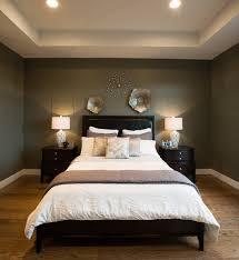schlafzimmer dunkel grün bett braun zimmer wohnung