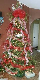 Christmas Tree Made From Deco Mesh Ribbon 4 Zip Ties And A Tomato Cage Options Are Endless