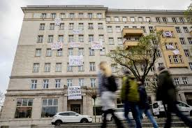 100 Apartments For Sale Berlin Why Is Buying Back Nearly 700 Apartments On Its