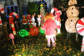 Alameda Christmas Tree Lane 2015 by Free Things To Do In San Francisco For The Holidays Traveling Mom