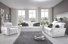 weiss einrichten wohnzimmer polstergarnitur dreisitzer