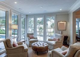 schönes wohnzimmer mit blick auf das meer stockfoto bild